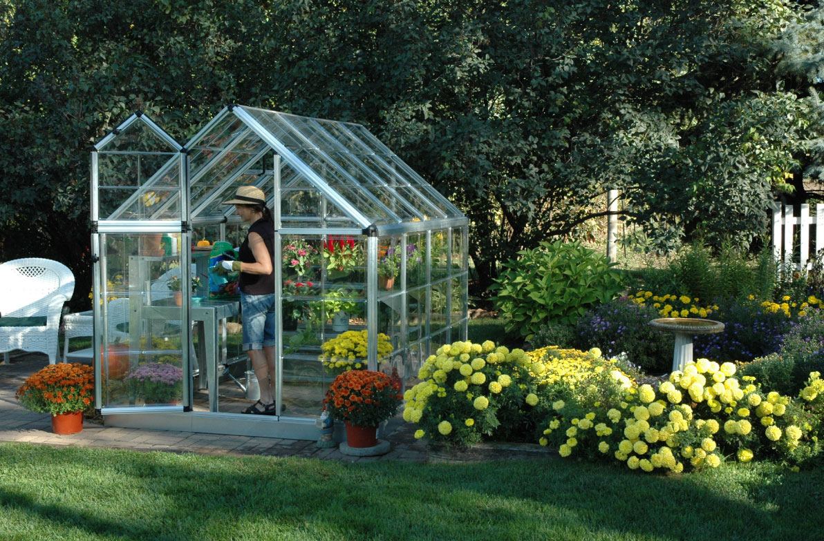 Snap & Grow™ 6' x 8' Greenhouse